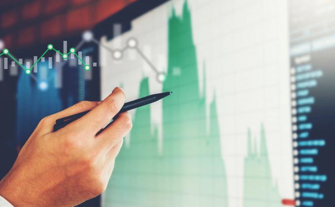 Globální akciové valuace indikují mírně pozitivní výkonnost