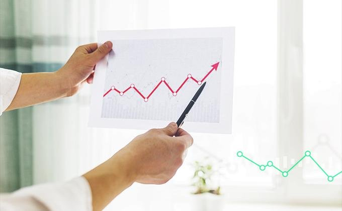 Česká ekonomika směřuje k zdravějšímu růstu. Američané zvýšili cla na dovoz z Číny